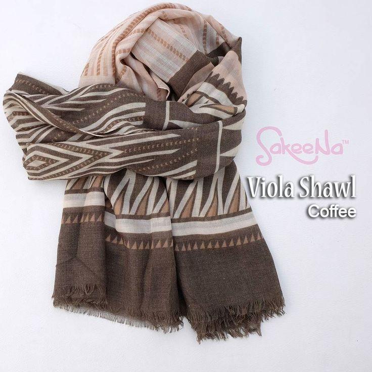 Viola shawl . . Bahan : viscose polyester . . Ukuran : 90cm x 190cm . . Harga : 85.000 . . Format order : nama alamat lengkap no.hp kodewarna