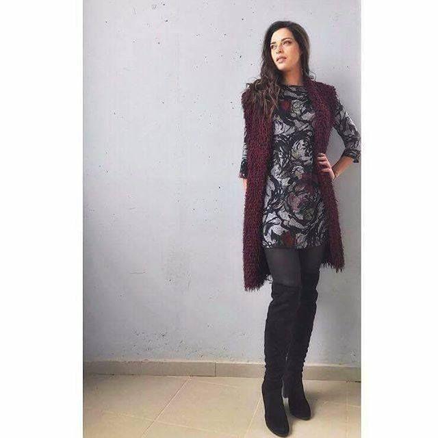 Υπέροχη Evagelia Siriopoulou με total outfit Helmi!  #Helmi #FW16 #helmistyle Codes > Dress: 38-05-176   Vest: 38-07-045 Styled by: Nikol Panagiotou