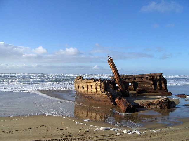 Coos Bay mystery shipwreck at Horsfall Beach by oregonkat, via Flickr - Coos Bay Oregon