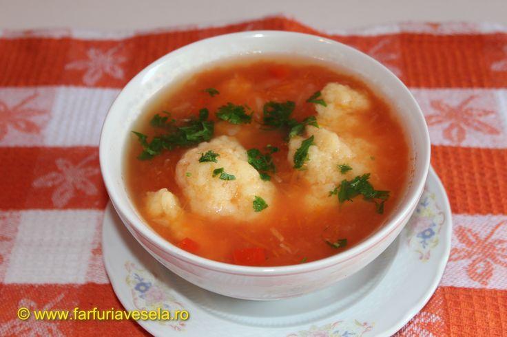 Farfuria vesela: Supa de rosii cu galuste