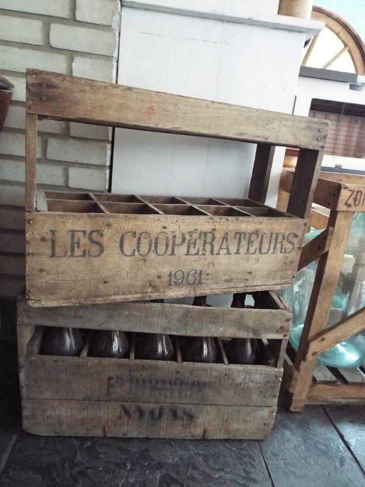 17 beste idee n over kratten op pinterest krat planken houten krat planken en kratten - Exotisch onder wastafel houten meubilair ...
