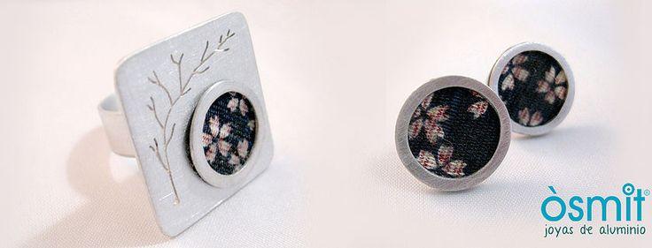 Joyeria en aluminio artesanal. Joyas de aluminio combinadas con arcillas poliméricas. Joyas grabadas personalizadas con nombres y dibujos. Brazaletes grabados.