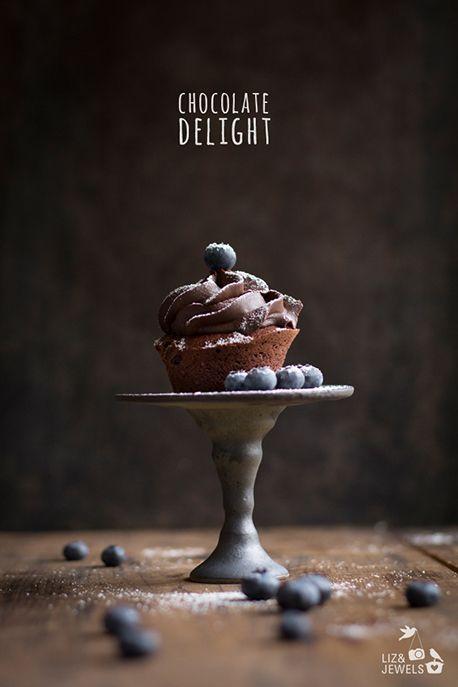 Chocolate Cupcake with Blueberries www.lizandjewels.com