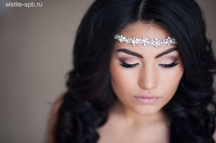 свадебный макияж для черных глаз - яркий макияж глаз с использованием профессиональной косметики и продуктов. На фото работа свадебного визажиста Эль Стиль