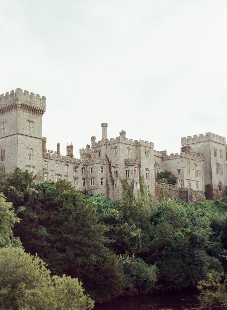 Lismore Castle in Ireland. Photography By / http://lisaodwyerweddings.com