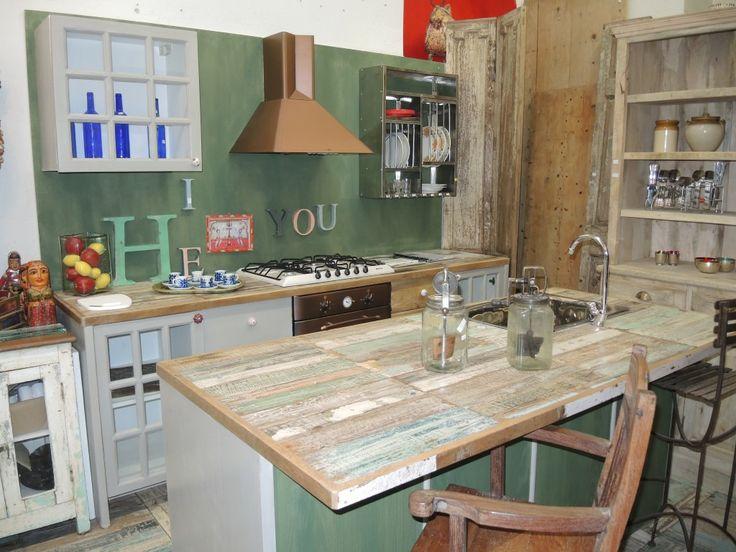 Cucina con isola centrale kitchen pinterest cucina - Cucina rustica con isola ...