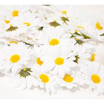 Streu-Margeriten aus Polyester und Kunststoff, Farbe: weiß, Größe: 5,5 cm Ø, Inhalt: 50 Stück.Diese Blütenköpfe sind vielseitig einsetzbar für allerlei Bastelideen. Peppen Sie Ihre Gestecke, Kränze und Girlanden mit diesen fröhlich-bunten Kunstblumen auf.