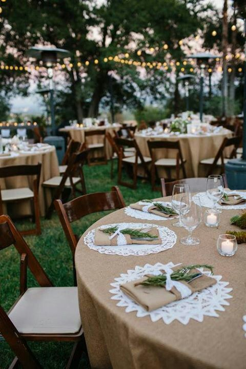 I LOVE everything about this setting --Love the burlap! add navy and light pnk and gold(glitter)