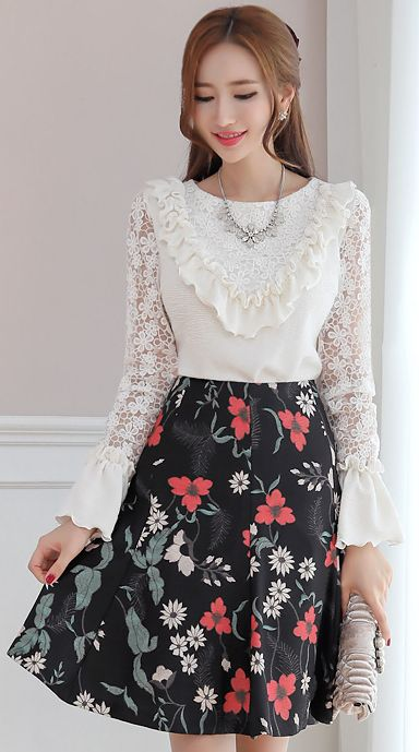 StyleOnme_Colorful Floral Print Flared Skirt #flower #skirt #feminine #cute #koreanfashion #kstyle #kfashion #dailylook #falltrend