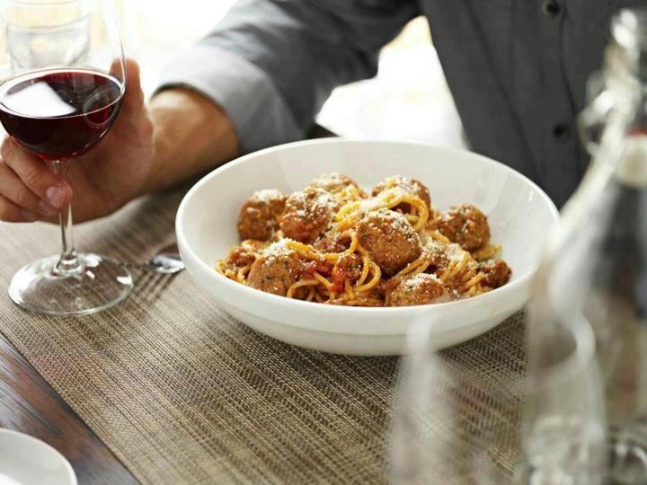 spaghetti, ricotta, meatballs! (Macaronis Romanos bar)