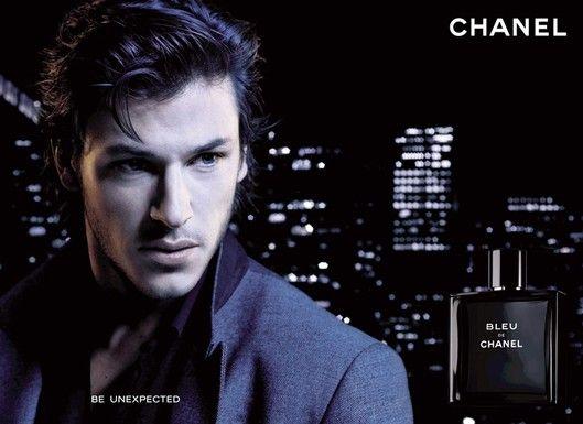 7. Bleu De Chanel:  Lançado em 2010 pela Chanel.  Apresenta notas como toranja, incenso, gengibre, vetiver e menta. É um perfume forte e bastante masculino.