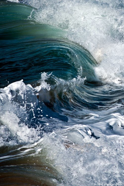 Waves the sound of the roar... Like what I saw at Big Sur a few days ago 8/2014