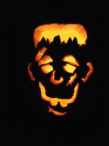 17 best ideas about jack o lantern faces on pinterest jack o 39 lantern jack lantern and easy - Breathtaking image of kid halloween decoration using frankestein jack o lantern pumpkin carving ...