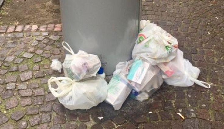 """Napoli. La denuncia di Capodanno: """"Al Vomero, medicinali scaduti sul marciapiede"""""""