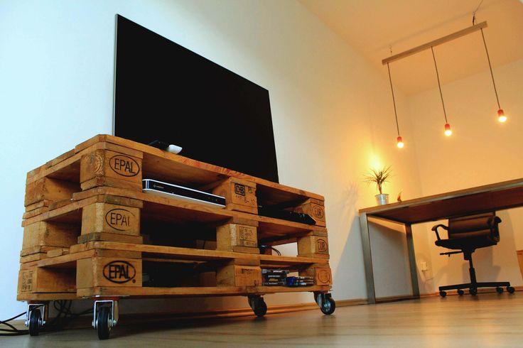 TV-Bank pila aus der D&F manufaktur