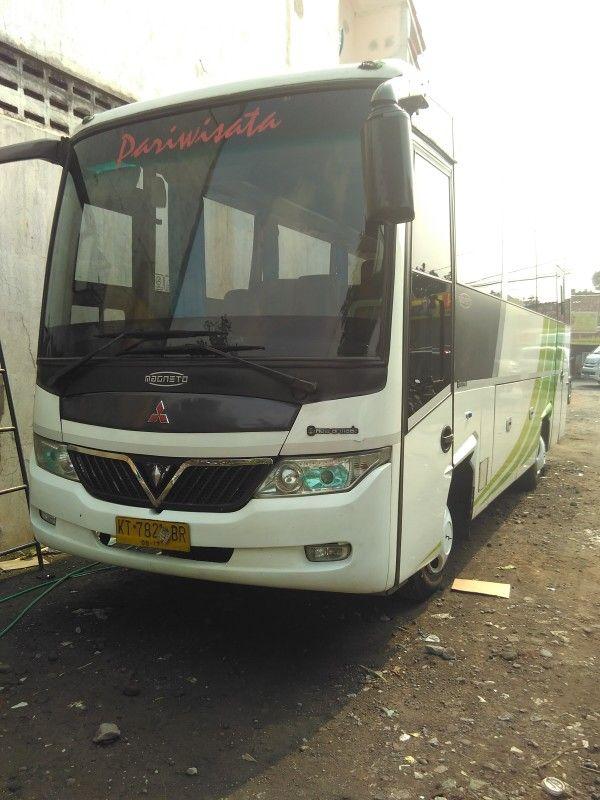 Sewa Bus Murah Jogja 082221887800