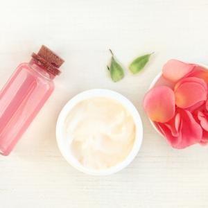 Beneficios del agua de rosas para el cabello - muy revitalizante