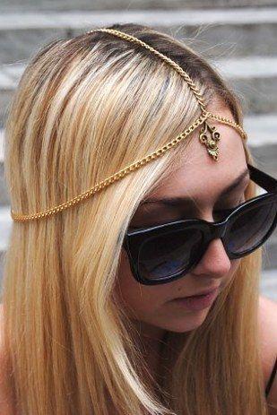 Chain Headpiece   41 Amazing Free People-Inspired DIYs