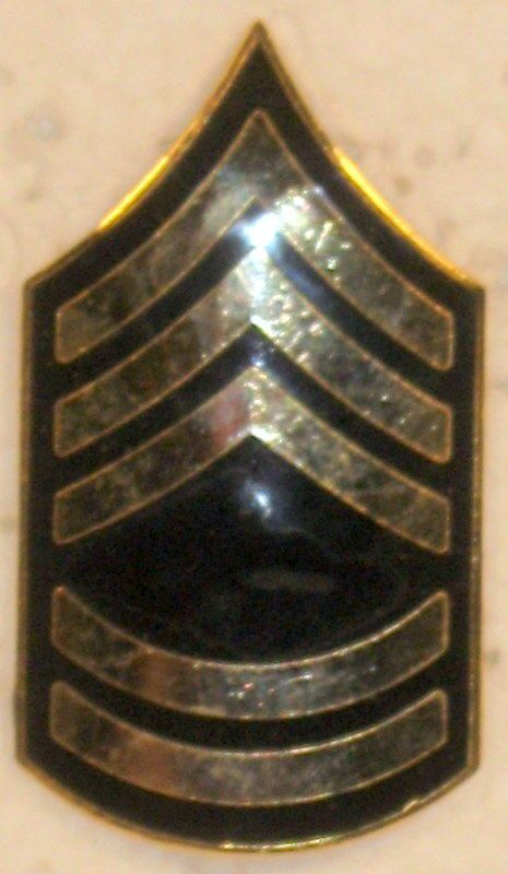 US ARMY SERGEANT FIRST CLASS E-7 SHINY RANK INSIGNIA FOR HAT CAP OBSOLETE
