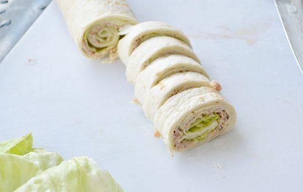 Snack: Frisse wrap met tonijn. Video uitleg van Herman den Blijker: http://youtu.be/56Gropj54WM