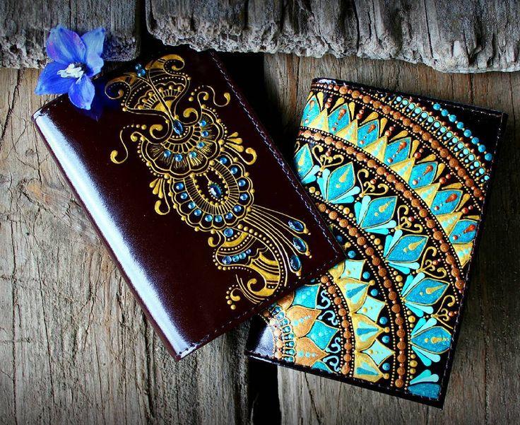 Обложки для паспорта из наличия. Кожа, роспись акрилом, лак. Цена обложки с орнаментом мехенди - 750р. + доставка. Цена обложки с бирюзовым орнаментом - 1200р.
