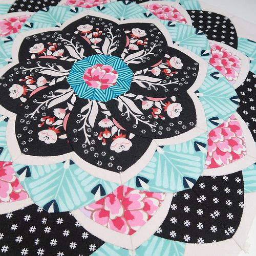 best English paper piecing images on Pinterest   Patchwork     I fell for this quilt when I saw it  lilabellelane It s a learning curve  for    Dresden PlatePaper Pieced QuiltsSue Daley English