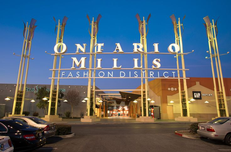 California's largest outlet and value retail shopping destination, is an indoor climate-controlled mall providing the ultimate shopping experience with more than 200 stores boasting some of the biggest names in men's, women's and children's apparel, jewelry, sporting goods, footwear and more.