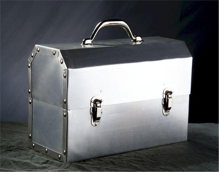 L. May Metal Fabricators Lunchbox