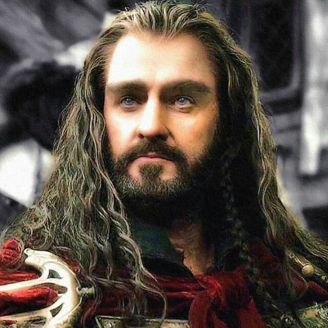 Il possente ed emanante-maestosità-da-ogni-poro Thorin Scudodiquercia  ♡_♡