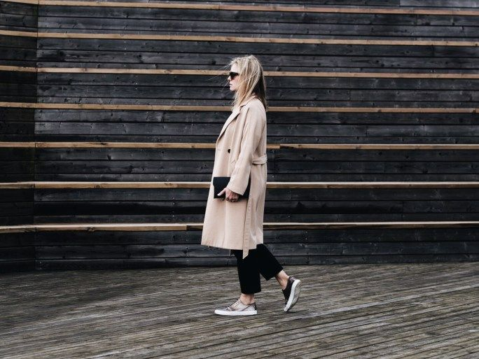 Camel coat, Ramones t-shirt, black cropped jeans & gold trainers | @styleminimalism