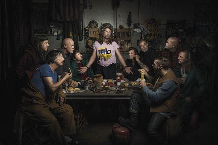 The Last Supper of Auto Mechanics - Auto mechanics pay homage to the legendary artworks of Renaissance painters