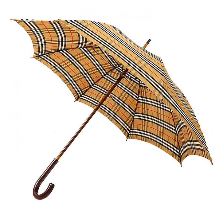 バーバリーのアイコンでもある英国チェック柄がデザインされたトラッドな雰囲気と上品さを兼ね備えた傘です。細部にまでこだわった丁寧な作りは普通の傘と一線を画しています。  詳細はこちら>http://bbl-shop.com/?pid=74918634
