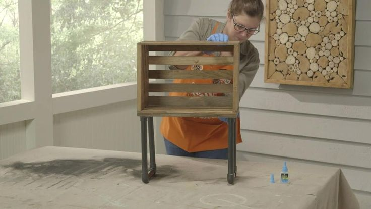 Wanna start your Summer off cool?  This Crate End Table will definitely do the trick.  Here are the step-by-step instructions on making one yourself.