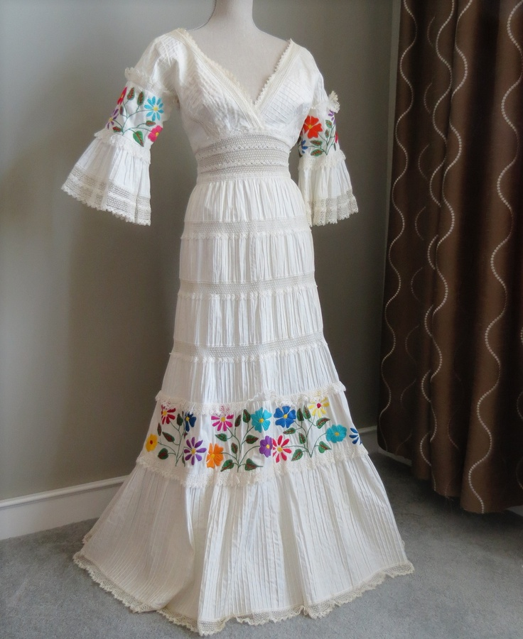 63 best Mexican embroidery images on Pinterest   Mexican embroidery ...