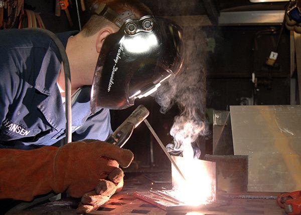 https://www.behance.net/gallery/49305039/Know-all-about-the-best-inverter-welding-machine