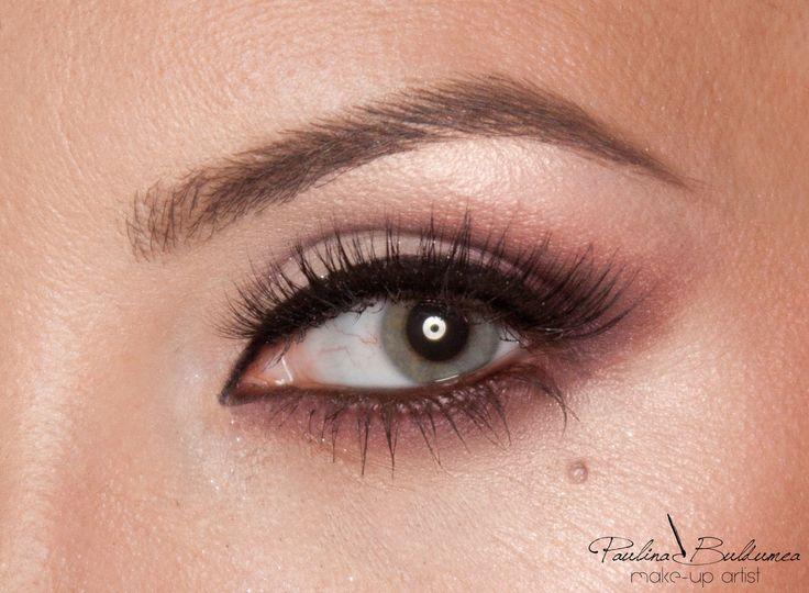 Natural makeup look, makeup techniques. Make-up artist & trainer Atelier Paris Bucharest Paulina Buldumea #naturalmakeup #specialmakeup #glamouremakeup #makeuptechniques