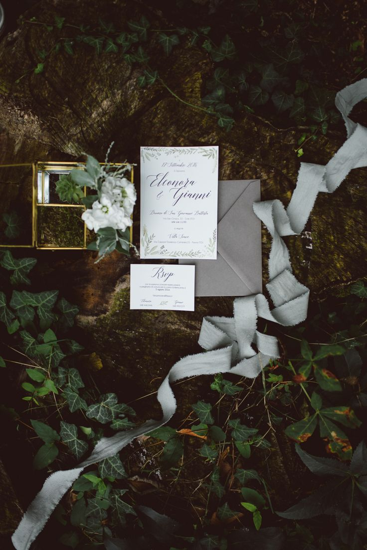 botanical wedding in italy - wedding photography - intimate wedding - bride - wedding stationery