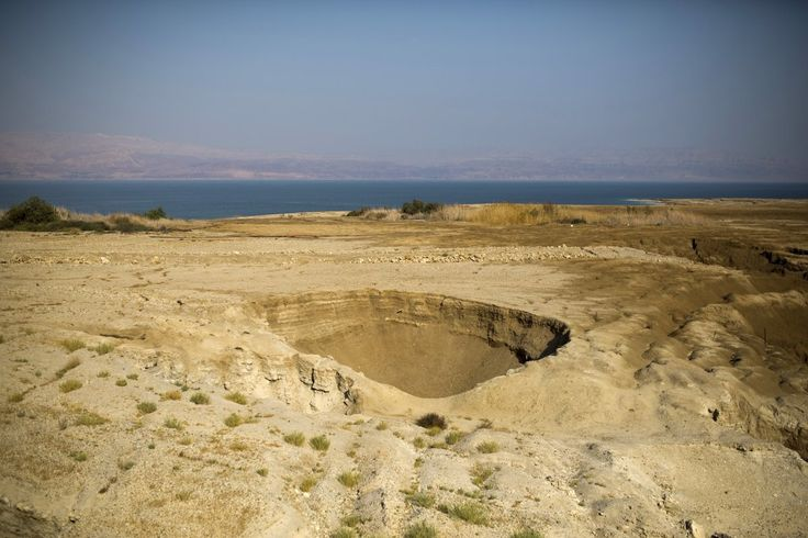 Thousands of sinkholes the size of basketball courts are ruining The Dead Sea