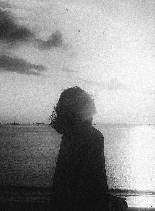 """The core of your true self is never lost. Let go of all the pretending and the becoming you've done just to belong. Curl up with your rawness and come home. You don't have to find yourself; you just have to let yourself in"" -D. Antoinette Foy (ph.: Li Hui)"