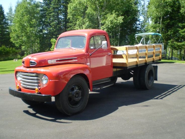 1948 Ford F6 FLAT BED TRUCK
