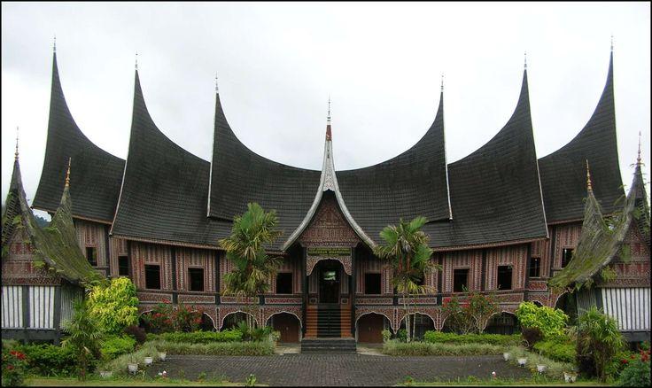 Rumah Gadang is tradisional House in Minangkabau, West Sumatera
