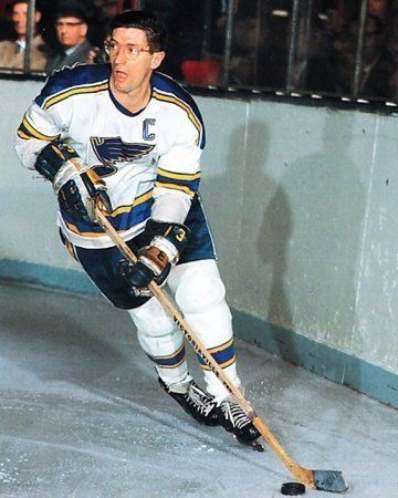 Al Arbour yes he played with glasses