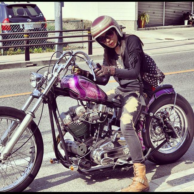 Girl Riding Purple And Pink Harley Shovel  Girls Riding -1522