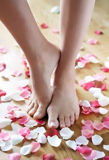 Acabe com as rachaduras nos pés! http://www.aprendizdecabeleireira.com/2012/01/acabe-com-as-rachaduras-nos-pes.html