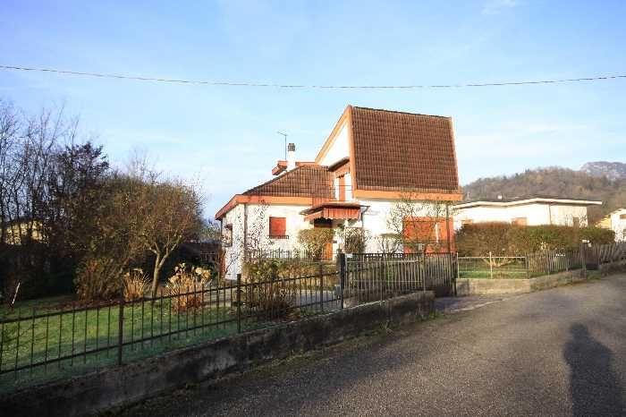 Villa/Casa singola BELLUNO 350.000 € | 250 m2 | Camere 4