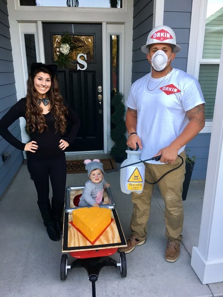 Our DIY mouse in a mouse trap costume with me being the cat & daddy being the exterminator ❤️