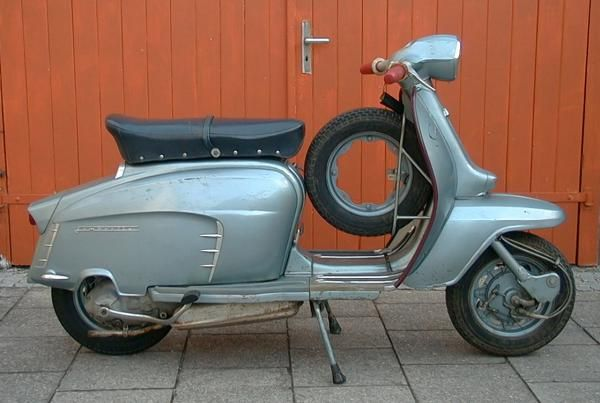 "Innocenti Lambretta LI 125 ""Blue Special"" Series 3 (1966), my favorite colour and Lambretta shape"