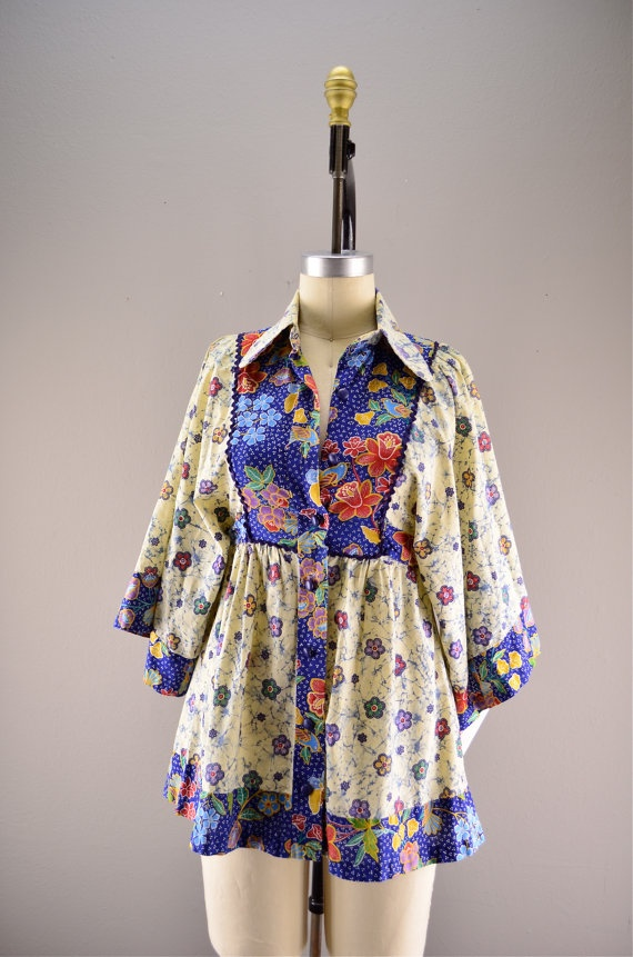 1970s batik blouse / Vintage hippie top / 70s bell by melsvanity, $48.00