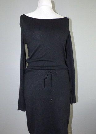 À vendre sur #vintedfrance ! http://www.vinted.fr/mode-femmes/petites-robes-noires/30631716-robe-pull-bonobo-noir-legerement-paillete