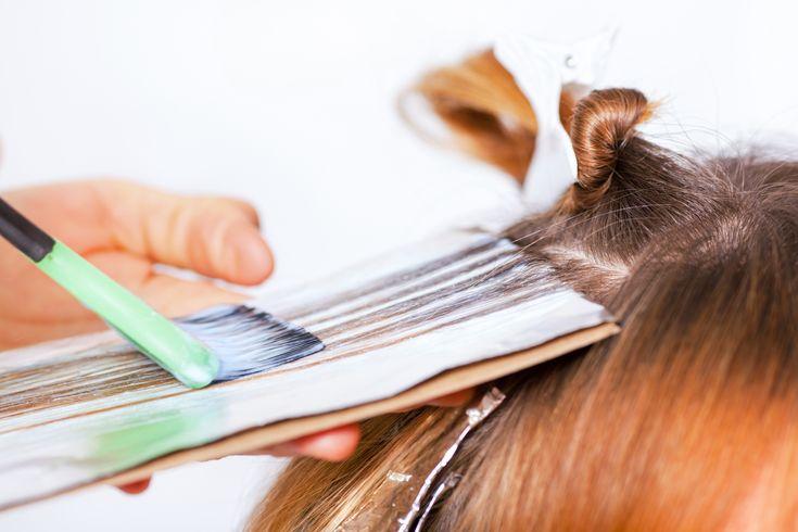 Hiusten+värjääminen+voi+nostaa+riskiä+sairastua+rintasyöpään